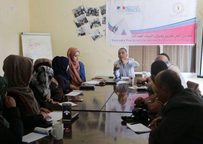 لقاء في رفح حول دور الإعلام في تمكين النساء من الوصول للعدالة