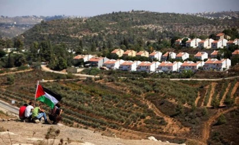 """مركز  """"شمس""""  يوجه رسالة إلى السفراء الأوروبيين حول سعي دولة الاحتلال لضم أجزاء من الأراضي الفلسطينية"""