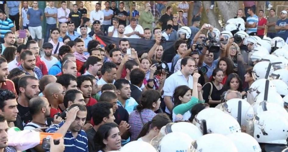 """مركز """"شمس"""" هجوم ممنهج ومتزايد على الحق في التجمع السلمي وحرية التعبير عن الرأي في الضفة الغربية وقطاع غزة"""
