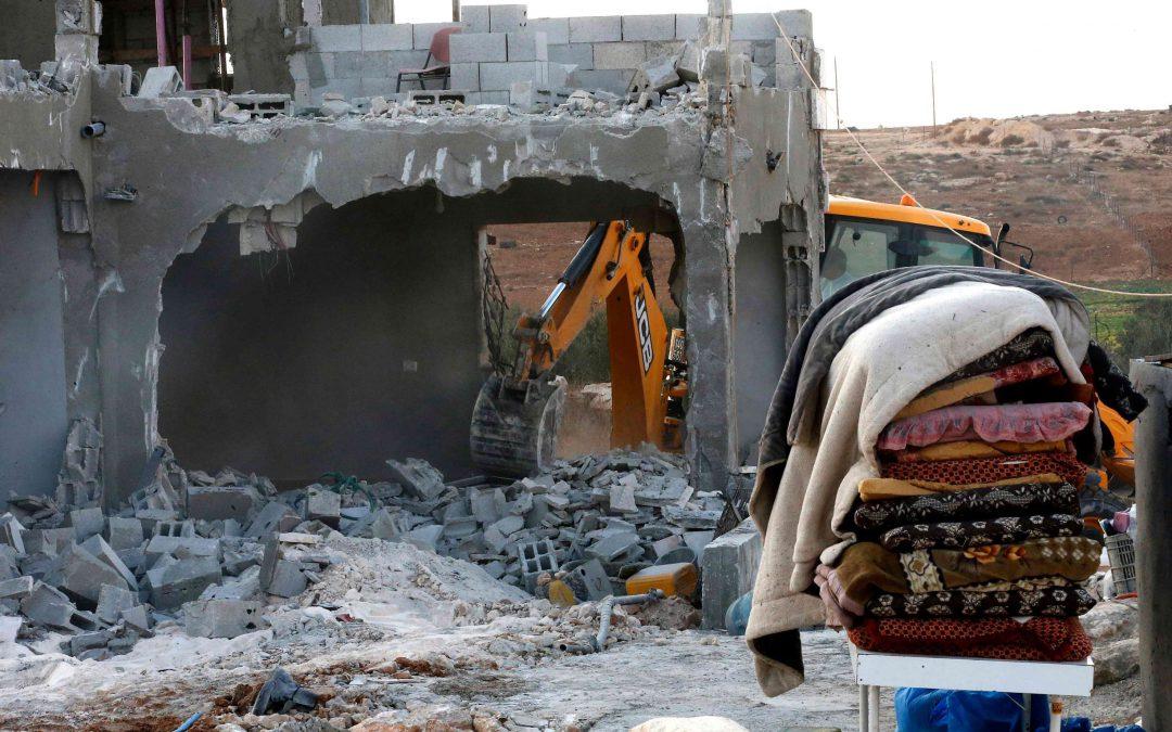 """مركز """"شمس"""" في تقريره الشهري قوات الاحتلال تهدم (59) منزل ومنشأة لمواطنين فلسطينيين، وتخطر (54) منشاة أخرى خلال شهر كانون الأول المنصرم"""